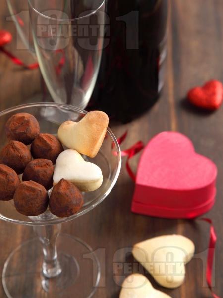 Лесни домашни бонбони от бисквити, масло и какао - снимка на рецептата